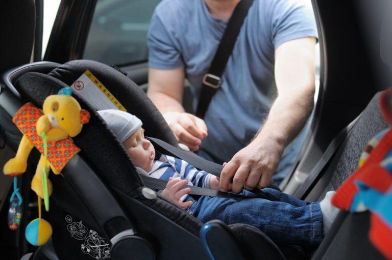 Come si sceglie il seggiolino auto? Leggi il Blog ...